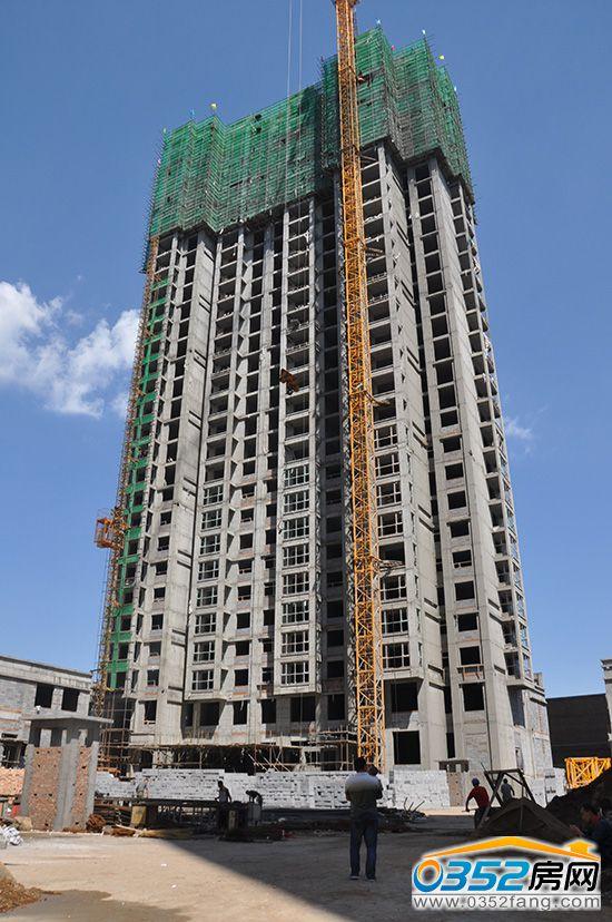 8月6日金水湾2#楼荣耀封顶 项目完成全面封顶