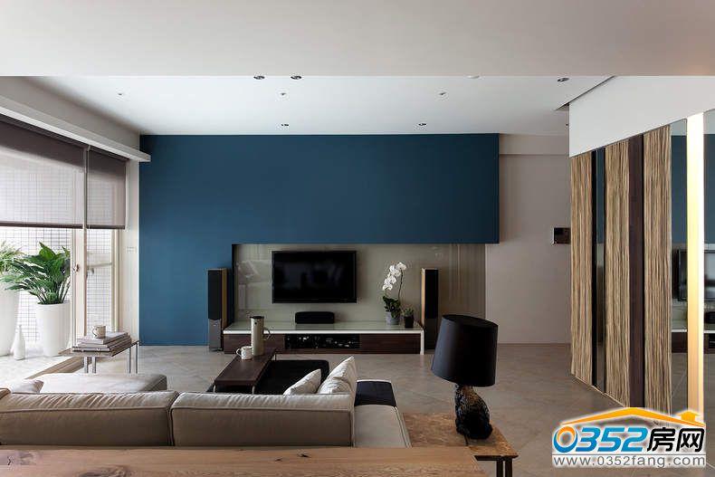 客厅的深蓝色的电视背景墙
