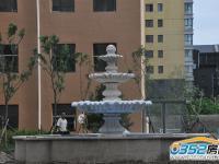 小区南部喷泉